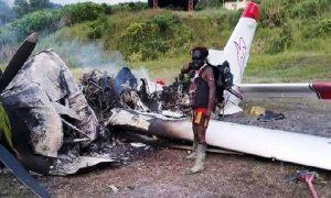 opm bakar pesawat papua